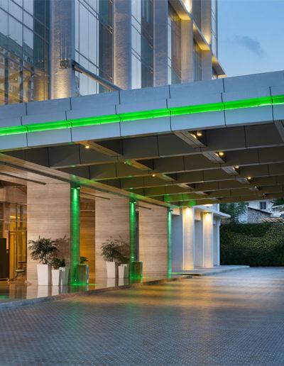 Exterior - Holiday Inn & Suite Jakarta Gajah Mada