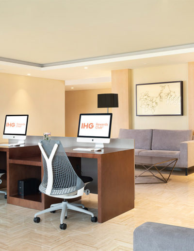 Internet Corner - Holiday Inn & Suite Jakarta Gajah Mada