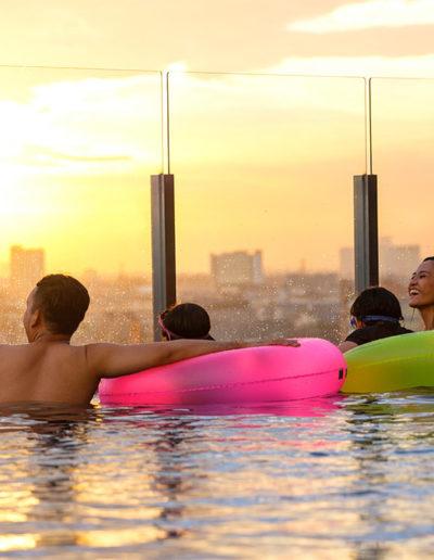 Swimming Pool - Holiday Inn & Suite Jakarta Gajah Mada