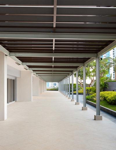 Terrace Area - Holiday Inn & Suite Jakarta Gajah Mada