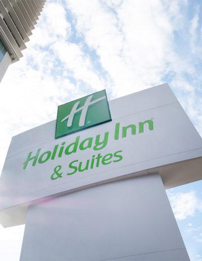 Totem Signage - Holiday Inn & Suite Jakarta Gajah Mada