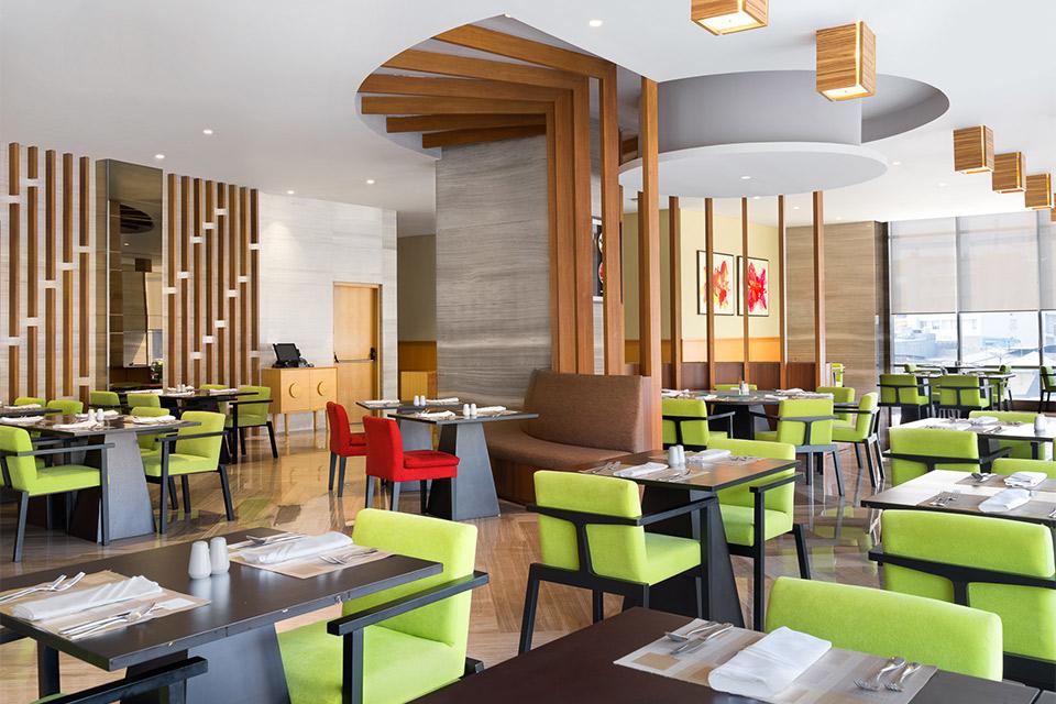 Dining - Holiday Inn & Suite Jakarta Gajah Mada